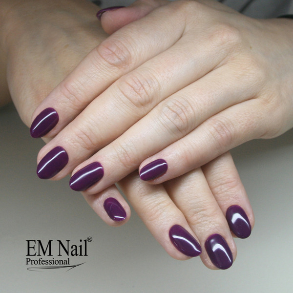 Gothic Plum 79 Gel Polish